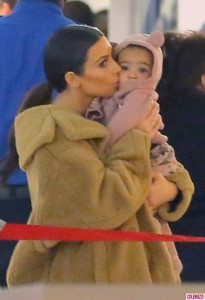 Kim-Kardashian-North-West-701x1024