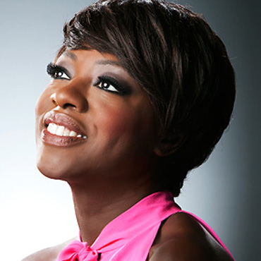 Viola Davis article written by Bene Viera